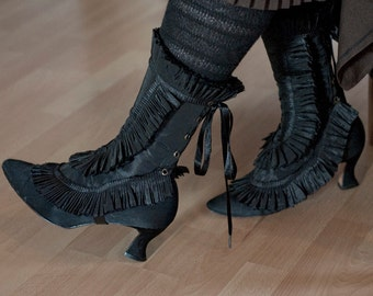 Black spats Gaiters with ruffled trim in pleated taffeta fabric Frilly steampunk fashion accessories