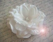 STARFISH Bridal Hair Flower / pure white bridal flower hair clip / beach destination bride / rhinestone flower pearl flower
