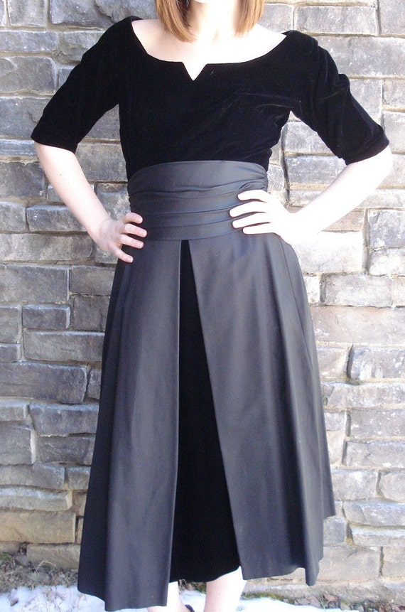 VIntage Dress Velvet/1950s-190s Black Cocktail Party -GiGi Young NY-Taffeta-Cumberbun-Pleated Waist Layered Skirt-Formal Black Tie affair,