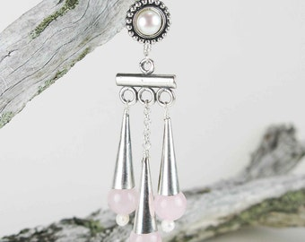 PORCIA: roman inspiration earrings - Hand assembled rose quartz beads, pearls and silver plated findings