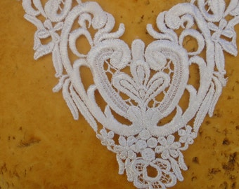 Cute venice   applique  white  color