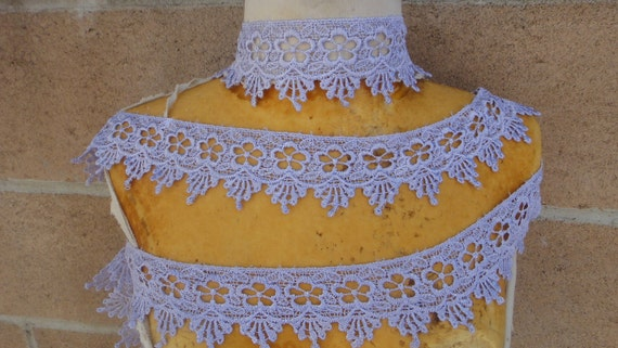 Very cute lavender   color    venice  lace  1   yard listing