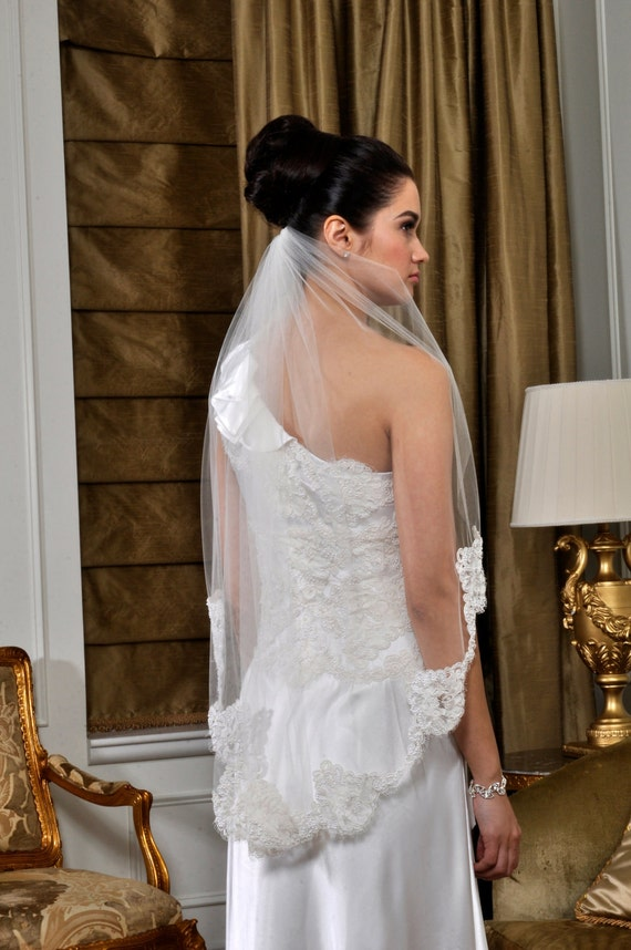 Wedding Veil - Fingertip with Pearl Alencon Lace - made to order