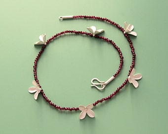 Necklace 'Flowers on Garnet'
