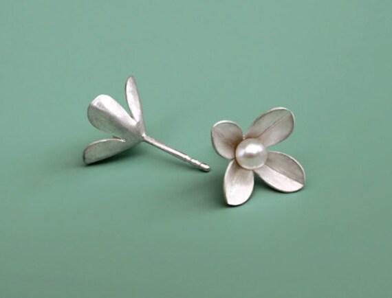 """Stud Earrings""""Flosculus"""" four leaf"""