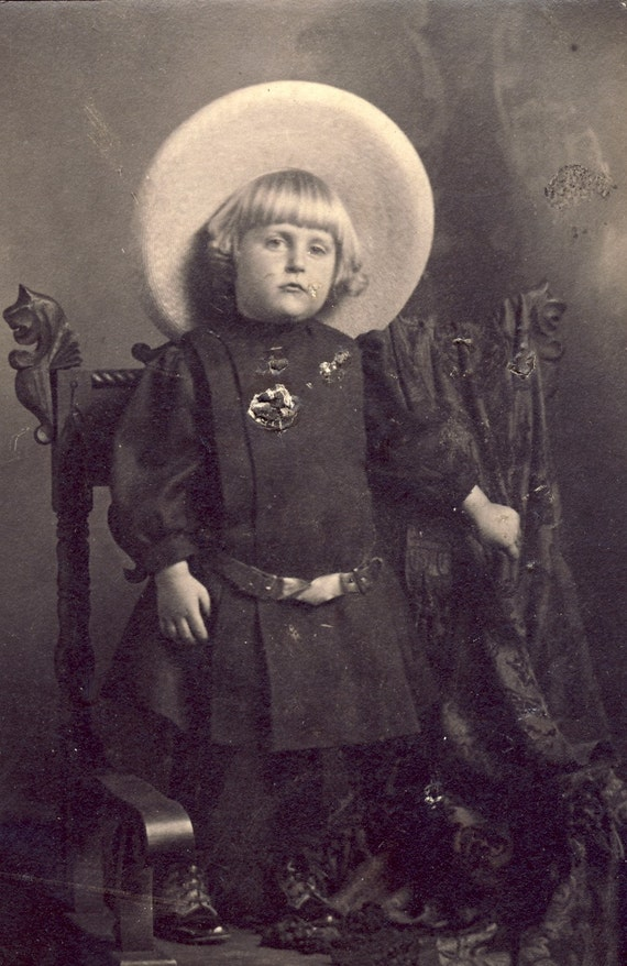 Large HAT on Cute Little BLONDE GIRL Photo Circa 1910s