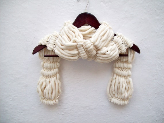Cream Knitted Pom pom Scarf, Mulberry Chunky Scarves, Knit Pompom Accessories, Ponpon Neckwarmer, Knitting Cocoon, Autumn Fall Fashion