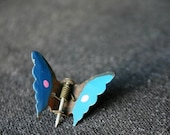 Butterfly fly high... Vintage metal pin.