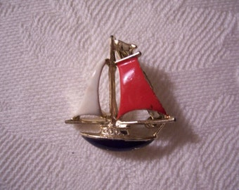 Flag Sailing Boat Pin Brooch Gold Tone Vintage Gerrys Red White Blue