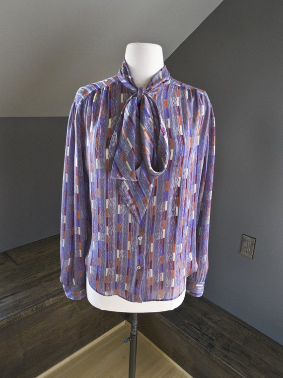 Visions of sugarplums... vintage long sleeve blouse with ascot tie (s - m)