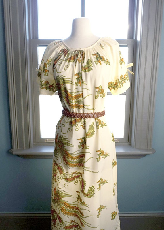 Birds of paradise... vintage maxi sundress in an AMAZING PRINT (s - m)