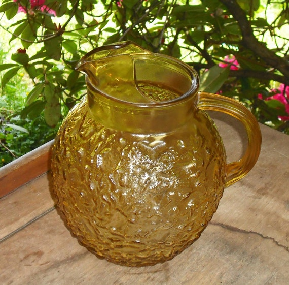 Vintage Pressed Cut Glass Amber Gold Pitcher Anchor Hocking Milano Ball Honey Pour Spout Iced Tea Lemonade Retro Kitchen Home Gift