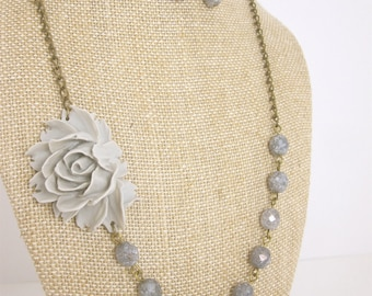 Grey Flower Necklace Gray Bridesmaid Jewelry Set Rustic Wedding Jewelry Beaded Flower Necklace