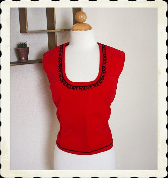 KILLER 1950's Crimson Red Velvet Scoop Neck Blouse w Black Satin Squiggle Trim Neckline & Button Up Back - Holiday - VLV - Matador - Size XL