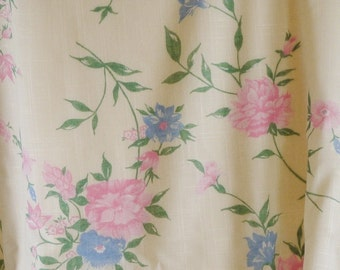 Cream Floral Print, Fashion Fabric, Pink Carnations, Blue Bachelors Buttons, Medium Weight, Cotton Polyester, half yard, B6