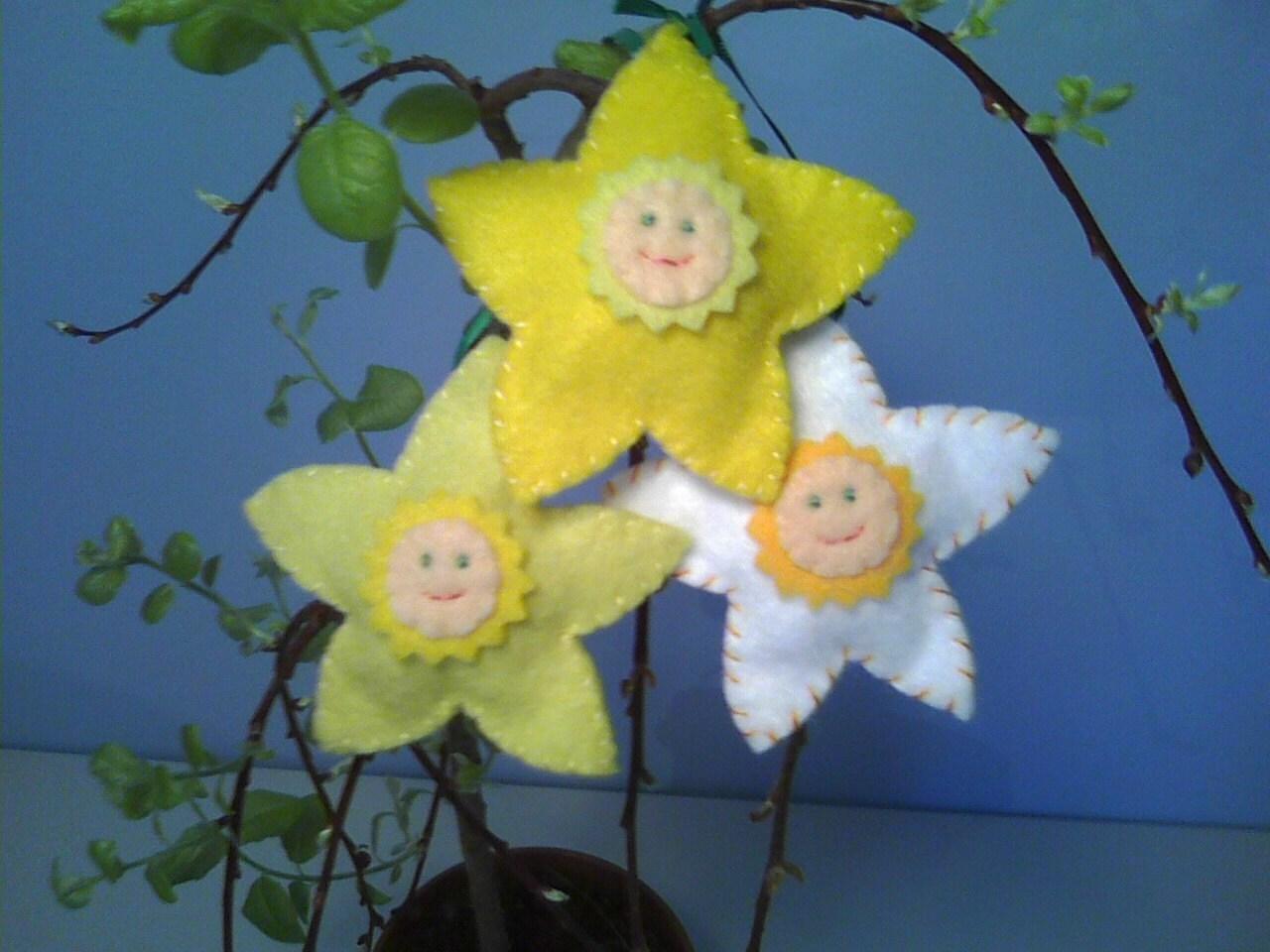 Daffodil Jonquil and Narcissus Felt Flower Ornaments