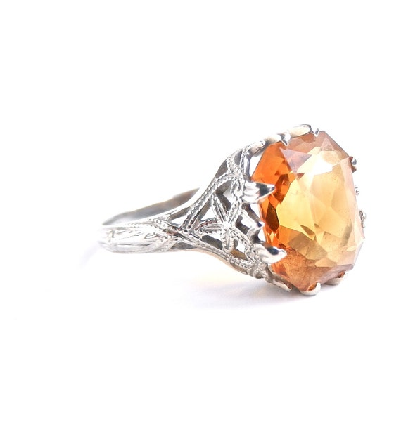 SALE 18K White Gold Ring with Orange Gemstone / Miss Sunshine