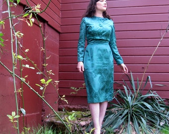 1960s dress Green Satin dress and jacket  LOVELY  Curvy 60s dress and jacket