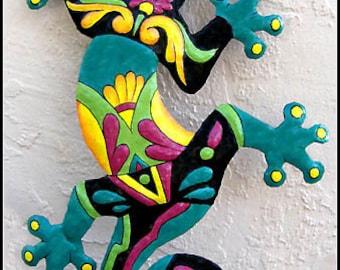 """Gecko Metal Art Wall Hanging - Outdoor Wall Art - 24"""" Painted Metal Gecko Garden Art - Tropical Design -  Metal Wall Art - M402-TQ-24"""