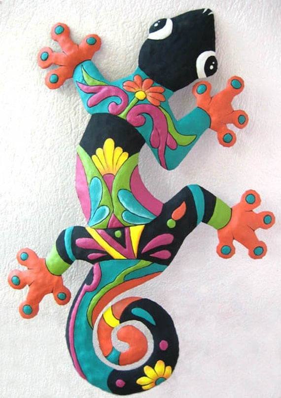 "Gecko Art Metal Wall Hanging - Hand Painted Tropical Garden Decor - Handcrafted Tropical Metal Art - Gecko Wall Decor - 24"" - M402-OR-24"