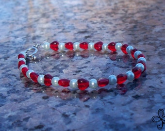 Red Heart and Pearls Glass Bracelet