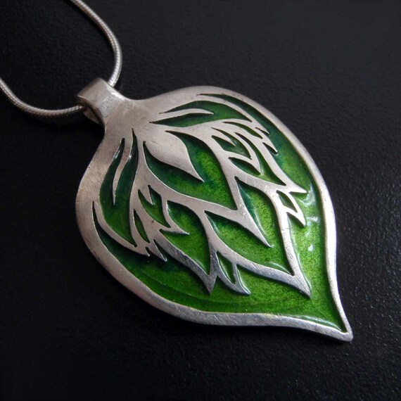 Big silver pendant - green leaf - enamelled