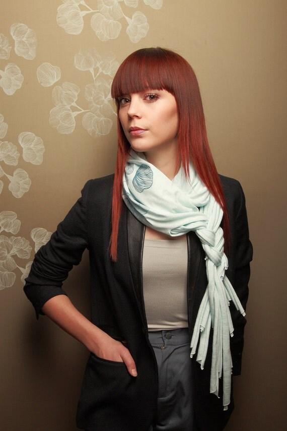 50% OFF: The blue fringe-scarf