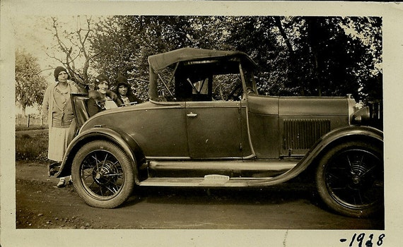 Photo - Old Car, Rumble Seat with Three Women - 1928