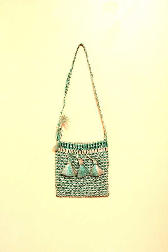 SALE 1970s Mint Raffia Side Purse // Hippie Cross Body Bag