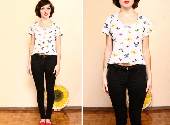 SALE 90s Grunge Crop Top // Butterfly Print Cropped T Shirt ( m )