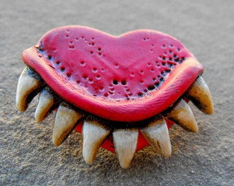 Maroon (wine tone) heart with dirty and creepy teeth. Bites of love! Any color. (Brooch or magnet)