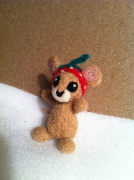 Felted Mouse with Strawberry Cap