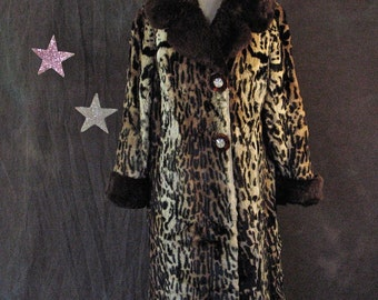 1940's Coat Leopard Print Sheared Fur Rockabilly Pinup Full Length Coat with Confetti Lucite/Bakelite Buttons size M/L
