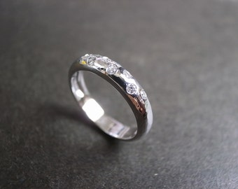 Diamond Wedding Hammered Ring in 14K White Gold, Diamond Ring, Diamond Band, Diamond Engagement Ring, Diamond Wedding Band, Hammer Ring