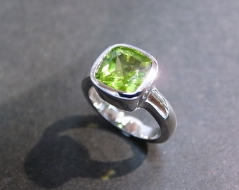 Cushion Peridot Engagement Ring in 14K White Gold, Peridot Ring, Peridot Jewelry, Cushion Cut Ring, Cushion Cut Engagement Ring, Green Ring