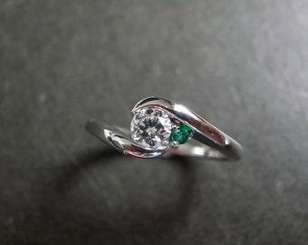 Diamond Engagement Wedding Ring with Green Gemstone Emerald Women Jewelry Gift Custom Made Jewellery 14K White Gold Yellow Gold Rose Gold