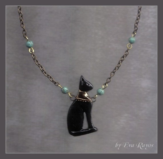 Egyptian Bastet necklace in black, terracotta and white color  - seated cat - Dea Bastet Egiziana