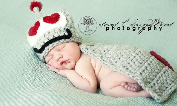 Valentine Crochet Set, Newborn Crocheted Prop for Valentine's Day, Knoodle Knits