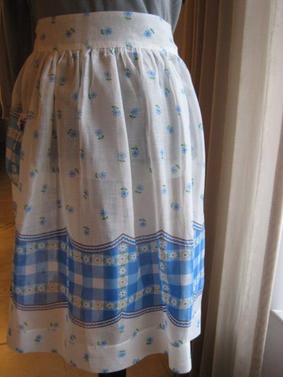 Vintage half apron, blue and white, adult