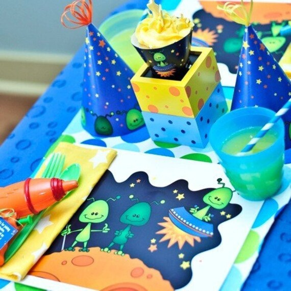 Placemat from the Alien Invasion DIY Printable Birthday Party Collection by Spaceships and Laser Beams