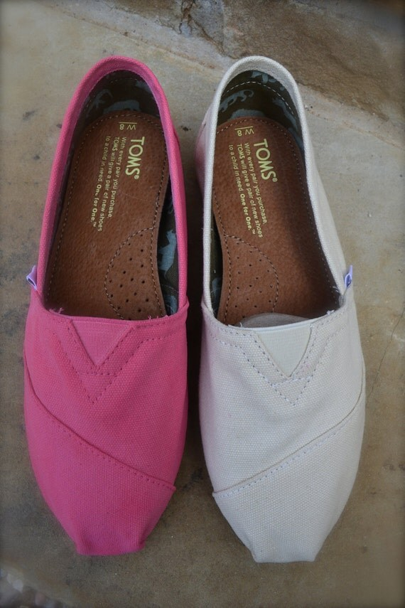 customized color change for toms shoes by artisticsoles on
