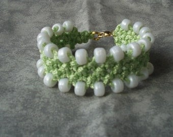 Macrame Beaded Bracelet in Mint Green