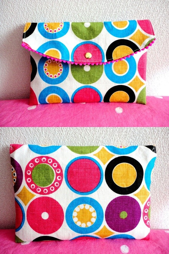 Scandinavian dots Cosmetic pouch with zipper and hocks