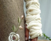 Sweetheart Warmers, hand knitted sleeves, arm warmers, wrist warmers, gauntlets in pure merino wool, cream, Ready to Ship