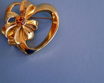 Vintage Heart Amber Rhinestone Pin Brooch - Simple Sweet - CLEARANCE