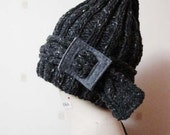 1/2 PRICE SALE - Gray hat with detachable headband, Made with merino fine wool.