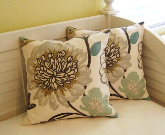 "Braemore Gorgeous in Pearl with Gray Flower  18""x18"" Pillow Cover"