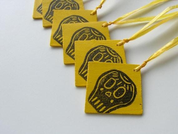 SALE Set of 6 Skully Wood Tags
