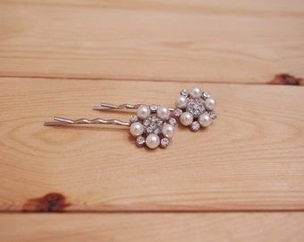 A Pair of Vintage Style Rhinestone and Pearl Bobby Pins Bridal Art Deco Diamante Hair Grips