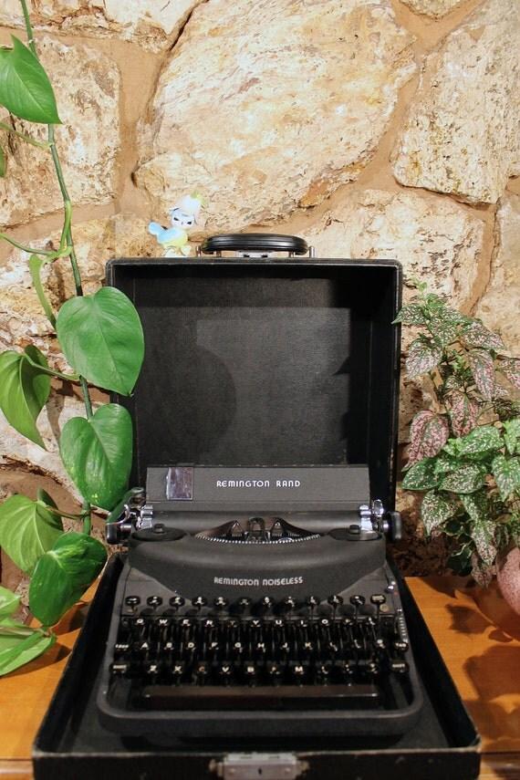 1940s Remington Rand Noiseless Model Seven Typewriter